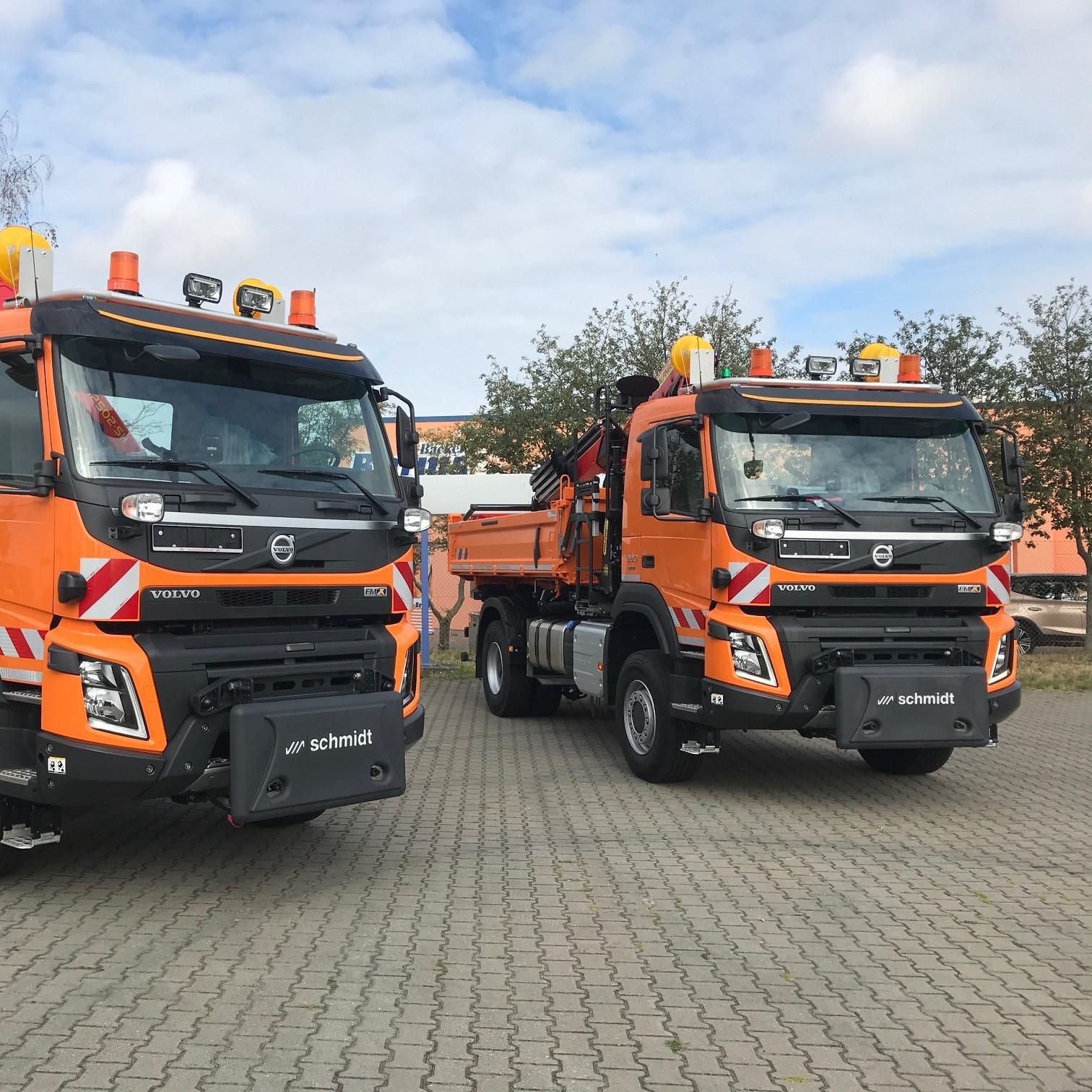 2x Volvo FMX mit Palfinger Kran und Meiller Dreiseitenkipper geliefert an die Landesstraßenbaubehörde